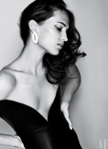 Alicia Vikander wallpaper called The Cover Shoot: Alicia Vikander in Wonderland