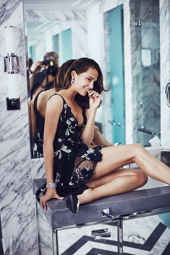 Alicia Vikander wallpaper called The Cover Shoot: Alicia Vikander in Wonderland