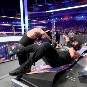 Wrestlemania 33: Roman Reigns vs. The Undertaker
