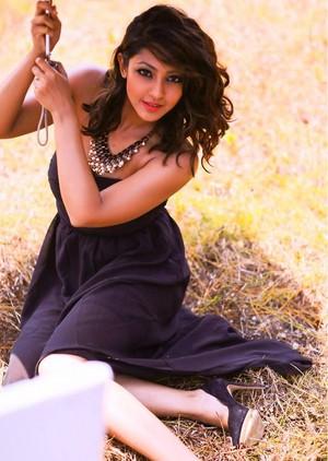 hot stills of kannada actress aindrita rayon, ray