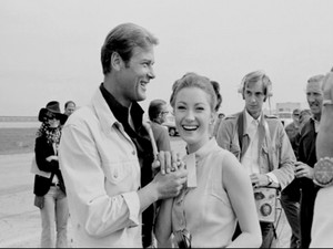 Sir Roger Moore And Jane Seymour