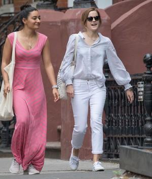 Emma Watson and Những người bạn in NYC [May 29, 2017]