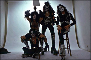 KISS ~Los Angeles, California...June 9, 1975 (white room session)
