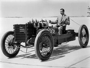 1953 사진 of William Clay Ford Driving Ford 999 Race Car Dearborn Michigan BW H Ford Museum N 890x6