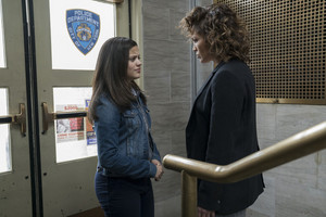 2x13 - Broken Dolls - Harlee and Cristina