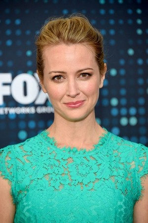Amy Acker at the cáo, fox Upfronts 2017