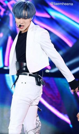 Blue Hair SHINee Taemin in Dream konsert 2017