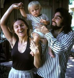 Baby Leo with parents