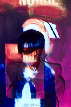 G-Dragon Kwon Ji Yong USB Album ছবি