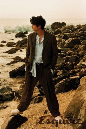 Gong Yoo poses for 'Esquire Hong Kong'