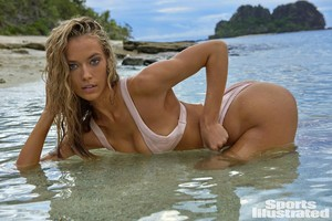 Hannah Ferguson 024