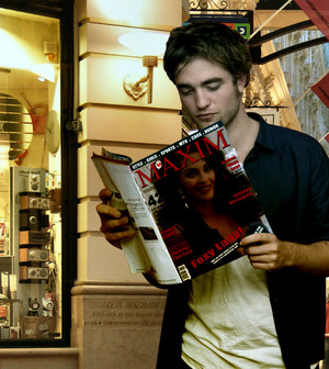 He 読書 a Magazine of Rebecca Ferratti