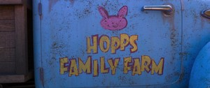 Hopps Family Farm Logo