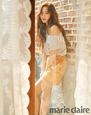 Jessica beats the summer heat with 'Marie Claire'