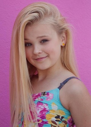 JoJo Siwa June 2015 photos face