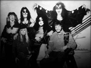 키스 ~Edmonton, Alberta, Canada...February 5, 1974
