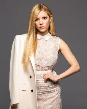 Katheryn Winnick ~ Bello ~ April 2015