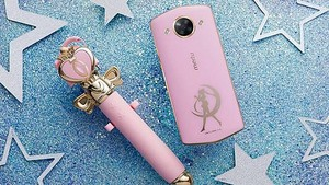Meitu M8 smartphone with Sailor Moon edition