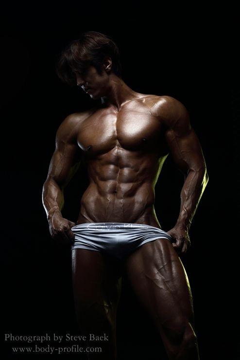 Muscular Body 005
