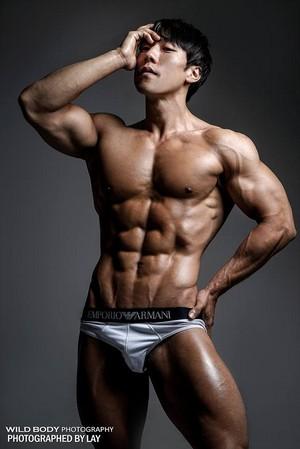 Muscular Body 009