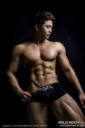 Muscular Body 010