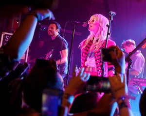 Paramore's first live performance of the After Laughter era