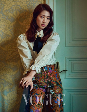 Park Shin Hye for Vogue Taiwan (2017)