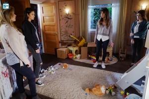 Pretty Little Liars - Episode 7.16 - The दस्ताना, दस्ताने That Rocks the पालना - Promotional चित्रो