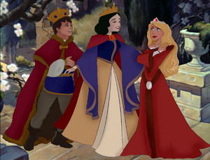 কুইন Snow White with her husband and daughter