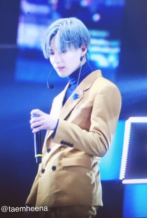 SHINee Taemin Silver Blue Hair SHINee World V in Hong Kong 2017