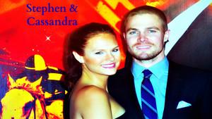 Stephen Amell & Cassandra Jean hình nền