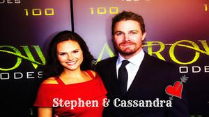 Stephen Amell & Cassandra Jean 壁纸