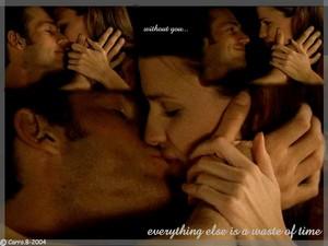 Sydney & Vaughn Kisses