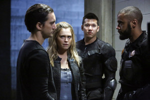 """The 100 """"The Other Side"""" (4x11) promotional picture"""