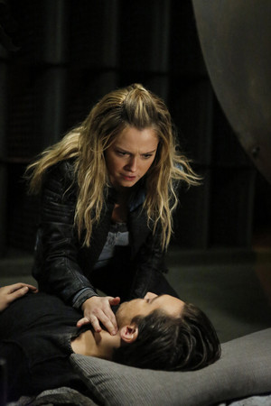 "The 100 ""The Other Side"" (4x11) promotional picture"