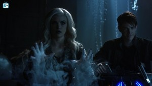The Flash - Episode 3.23 - Finish Line (Season Finale) - Promo Pics