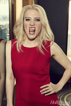 The Hollywood Reporter - SNL's Yuuuge anno - Kate McKinnon as Kellyanne Conway