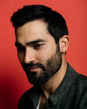 Tyler Hoechlin - The 덮개, 랩 Photoshoot - 2016