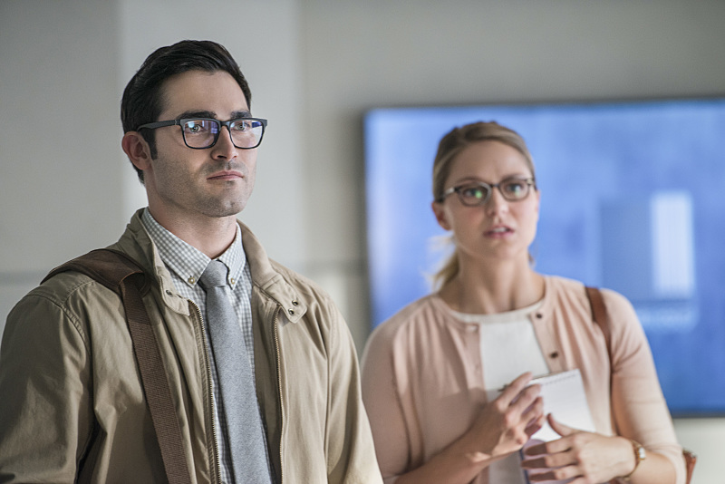 Tyler Hoechlin as Clark Kent/Superman in Supergirl - The Adventures Of Supergirl (2x01)