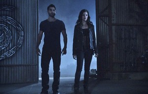 Tyler Hoechlin as Derek Hale in Teen serigala - Alpha Pact (3x12)