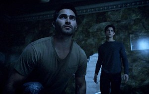 Tyler Hoechlin as Derek Hale in Teen lobo - Chaos Rising (3x02)