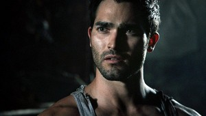 Tyler Hoechlin as Derek Hale in Teen wolf - Fury (2x10)