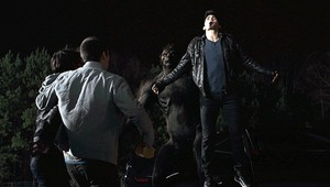 Tyler Hoechlin as Derek Hale in Teen loup - cœur, coeur Monitor (1x06)