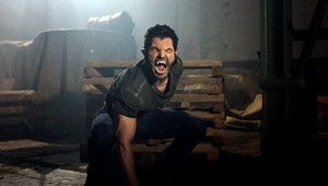 Tyler Hoechlin as Derek Hale in Teen নেকড়ে - Master Plan (2x12)