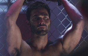 Tyler Hoechlin as Derek Hale in Teen wolf - meer Bad Than Good (3x14)