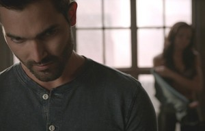 Tyler Hoechlin as Derek Hale in Teen भेड़िया - Muted (4x03)