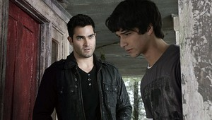 Tyler Hoechlin as Derek Hale in Teen lupo - Pack Mentality (1x03)