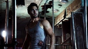 Tyler Hoechlin as Derek Hale in Teen serigala - Party Guessed (2x09)