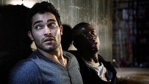 Tyler Hoechlin as Derek Hale in Teen serigala - Raving (2x08)