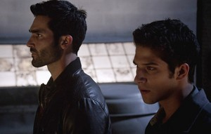 Tyler Hoechlin as Derek Hale in Teen lobo - Riddled (3x18)